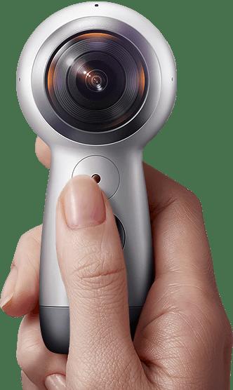 Samsung Gear 360 In Hand